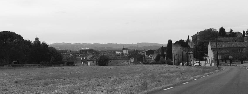 L'entrée du village de Lagnes. Vaucluse